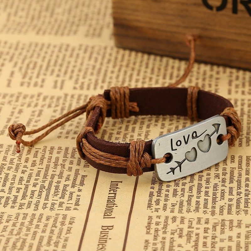 """Кожаный браслет """"Это любовь"""" - 4"""