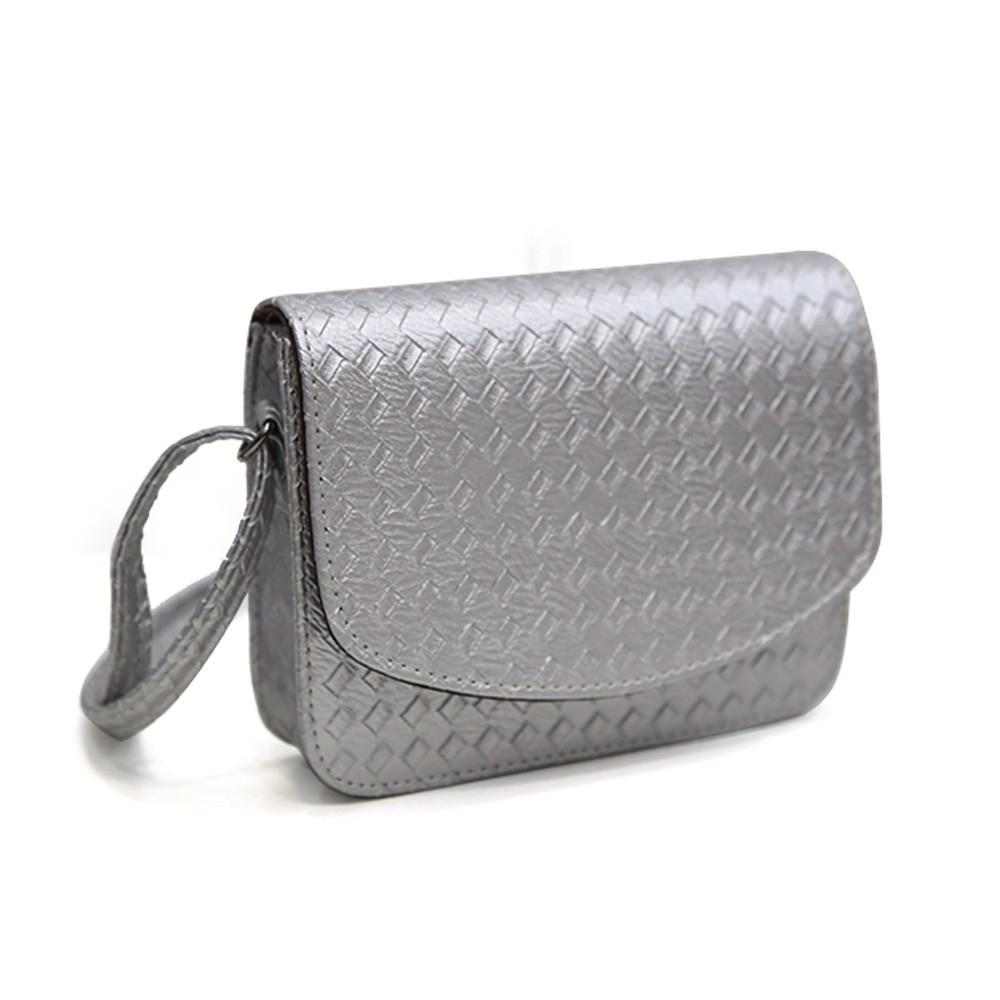 Плетеная женская сумка-почтальон с металлическим оттенком - 6