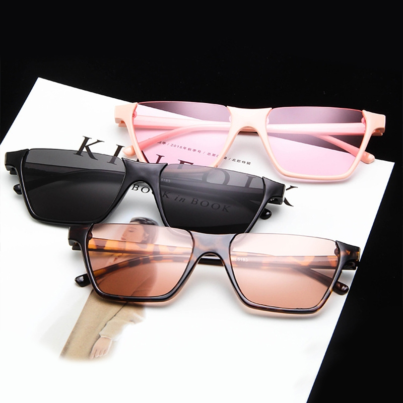 Полуободковые прямоугольные солнцезащитные очки с цветной дымчатой линзой (в наличии бежевые и черные с густо серой линзой) - 1