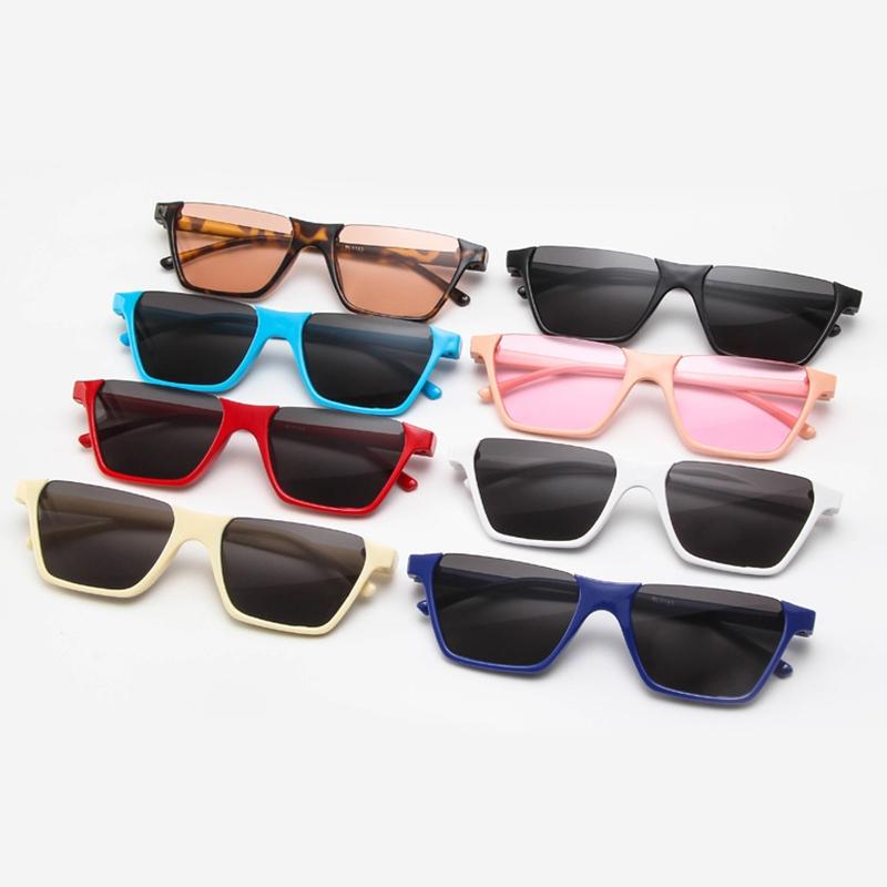 Полуободковые прямоугольные солнцезащитные очки с цветной дымчатой линзой (в наличии бежевые и черные с густо серой линзой) - 5