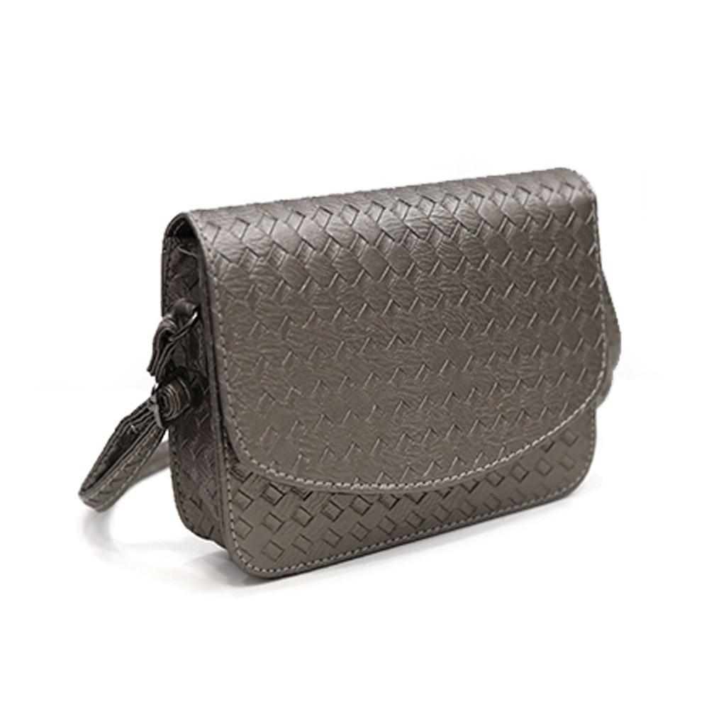 Плетеная женская сумка-почтальон с металлическим оттенком - 5