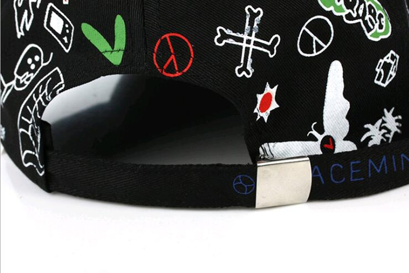 Кепка-бейсболка хлопковая с граффити в стиле аниме и длинной тесьмой (в наличии черная) - 13