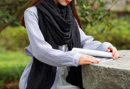 Вискозный однотонный шейный платок (в наличии серый, бордовый, темно зеленый) - 1