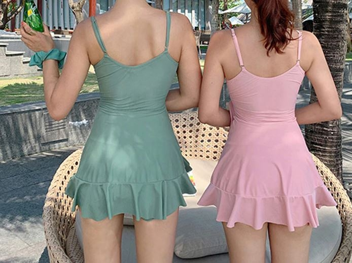 Купальник женский с платьем-сарафаном и шортами - 2