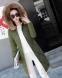 Удлиненная куртка прямого кроя с мехом на капюшоне (в наличии зеленая М) - 1